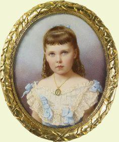 "children of Duke Alfred of Edinburgh and Grand Duchess Maria Alexandrovna.  Princess Victoria Melita ""Ducky"", later Grand Duchess of Russia (1876-1936)"