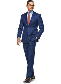 Inspired by traditional Neapolitan tailoring, this Napoli suit features details like notch lapel, lightly padded shoulder and fitted form. Cut from pure S110's wool by Vitale Barberis Canonico, this 2-button suit feature flap pockets and comes accompanied by slim, flat front pants.