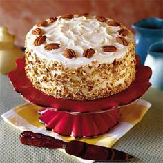 Patrick's Day Feast - Southernliving. Recipe: Irish Cream Cake The Irish cream liqueur in this cake makes the recipe extra-special. Butterscotch filling and a cream cheese frosting make it divine. Irish Cream Liquor, Irish Cream Cake, Cake Recipes, Dessert Recipes, Yummy Recipes, Irish Recipes, Let Them Eat Cake, Just Desserts, Elegant Desserts