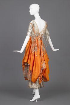 Evening Gown Of Cream Silk Satin and Orange Silk Taffeta, Hollander, L. 20s Fashion, Fashion History, Retro Fashion, Vintage Fashion, Fashion Usa, Gothic Fashion, Edwardian Dress, Edwardian Fashion, 1920s Dress