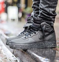 2014 cheap nike shoes for sale info collection off big discount.New nike roshe run,lebron james shoes,authentic jordans and nike foamposites 2014 online. Sneakers Mode, Sneakers Fashion, Shoes Sneakers, Suede Shoes, Canvas Sneakers, Leather Shoes, Hype Shoes, Fresh Shoes, Nike Shoes Outlet
