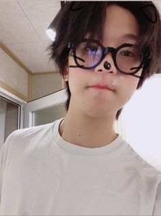 Kpop Rappers, Hip Hop Singers, Babe, Hip Hop And R&b, Boys Wallpaper, Cutest Thing Ever, Korean Artist, Yugyeom, Reaction Pictures