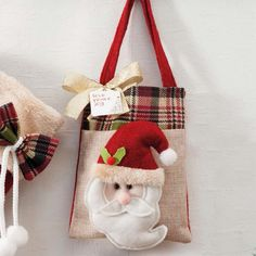1 million+ Stunning Free Images to Use Anywhere Easy Christmas Crafts, Christmas Bags, Christmas Projects, Christmas Stockings, Christmas Decorations, Xmas, Christmas Ornaments, Holiday Decor, Felt Crafts