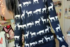liqhting:  found my old christmas sweater :)) instagram: liqhtly