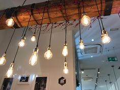 Luces decorativas en cafes en Barcelona.