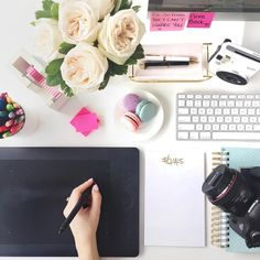 It's been a while since I've done a Life In Photos, lots of fun details and pretty images to share with you all today! Above, one of my favourite shots from my collaboration with L'oreal Lumi Cushion College School Supplies, College Hacks, Her Campus, College Campus, Rose Gold Decor, Workspace Inspiration, Pretty Images, Love Photography, Dorm Decorations