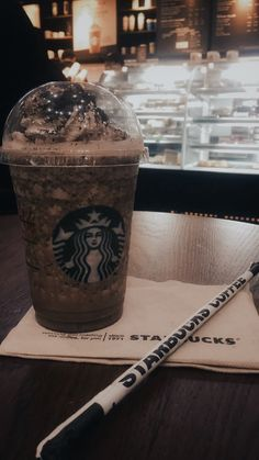 Super Delicious Secret Menu Starbucks Drinks – Yummy recipes – Grandcrafter – DIY Christmas Ideas ♥ Homes Decoration Ideas Menu Starbucks, Bebidas Do Starbucks, Secret Starbucks Drinks, Starbucks Recipes, Starbucks Coffee, Ft Tumblr, Tumblr Food, Starbucks Snapchat, Comida Pizza