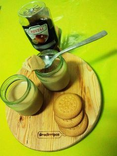 Iogurte de bolacha e caramelo
