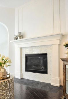 New Living Room Layout With Tv And Fireplace Master Bedrooms 42 Ideas White Fireplace Surround, Fireplace Tv Wall, Fireplace Built Ins, Fireplace Remodel, Fireplace Surrounds, Fireplace Design, White Mantle Fireplace, Fireplace Mantle Designs, Fireplace Molding