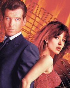 James Bond Girl n°19 - Sophie Marceau est Elektra King (1999) avec Pierce Brosnan - Le monde ne suffit pas (The World Is Not Enough)