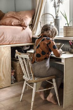 Easy Cheese Danish - Let the Baking Begin! - Yamnore, Self made plywood desk, Natural style kids room copyright 2018 Anna Malmberg. Plywood Desk, Kids Bedroom Boys, Stylish Bedroom, Modern Bedroom, Bedroom Black, Ideas Hogar, Kids Room Design, Dining Room Sets, Kidsroom