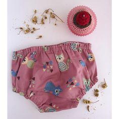Braguita cubrepañal. ranita cubre-pañal estampado. cubrepañal. culotte bebe. GATOS rosa. baby clothes. pink cat. cotton fabricc. handmade