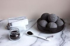 DIY Skin Detox: How to Make Activated Charcoal Bath Bombs and Marbled Soaps http://feeds.apartmenttherapy.com/~r/apartmenttherapy/diy/~3/wMDoYNcplQI/how-to-make-activated-charcoal-bath-bombs-and-soaps-243854