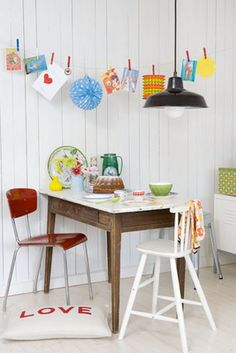 clothes-pin decor idea  + lovely lovely dining <3