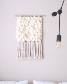 this is a macrame wall hanging that I made in a tutorial on my youtube channel, I love it! Decoration, Diy Tutorial, Macrame, Sweet Home, Channel, Interiors, Group, Board, Wall