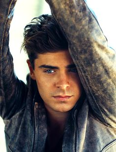 Zac Efron , a boy with brown hair and clear blue eyes , isn't he perfect ? Zac Efron , a boy with brown hair and clear blue eyes , isn't he perfect ? Charlie St Cloud, Hight School Musical, High School, Attractive Men, Hot Boys, Cute Guys, Celebrity Crush, Cute Celebrity Guys, Pretty People