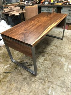 Great Ideas for Wood Table Projects Finding your place in wood furniture plan is such a great feeling. Woodworking Furniture, Furniture Plans, Wood Furniture, Live Edge Table, Live Edge Wood, Large Corner Desk, Wood Table Design, Table Designs, Computer Desk Design