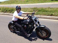 "Leonardo's Harley Davidson Fat Bob with extende Voodoo Fender & 4"" Zombi Bars | Rocket Bobs"