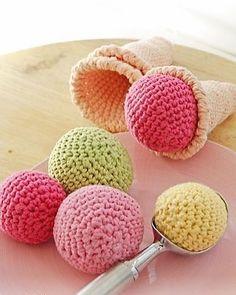 いいね!1,844件、コメント15件 ― @pembeorguのInstagramアカウント: 「#knitting#knittersofinstagram#crochet#crocheting#örgü#örgümüseviyorum#kanavice#dikiş#yastık#blanket#bere#patik#örgüyelek#örgü#örgübattaniye#amigurumi#örgüoyuncak#vintage#çeyiz#dantel#pattern#motif#home#yastık#severekörüyoruz#örgüaşkı#pattern#motif#tığişi#çeyiz#evdekorasyonu」