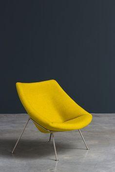 De fauteuil Oyster van Artifort. Ontworpen door Pierre Paulin RDI.