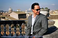 Book a Personal Vacation Photographer capture your best moments in Rome.Romantic honeymoon,for couples, for friends for families.