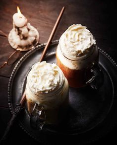 Des recettes de sorciers pour manger comme dans Harry Potter Harry Potter Food, Harry Potter Birthday, Milk Shakes, Butterbeer Recipe, Birthday Menu, What To Cook, International Recipes, Cooking Time, Sweet Tooth