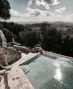Love this pool with a view - the perfect place for summertime The Places Youll Go, Places To Go, Pool Garden, Travel Around The World, Around The Worlds, Dream Vacations, Pretty Pictures, Perfect Place, Adventure Travel