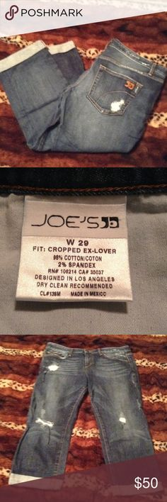 """Joe's Jeans cropped ex-lover jeans Sz 29 Worn with tears but still have lots of life in them!  Rise 9"""" & inseam 22"""".  Bundle 3 or more & save! Joe's Jeans Jeans Ankle & Cropped"""
