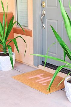 100 DIY Projects To Upgrade Your Home: DIY Painted Typography Doormat