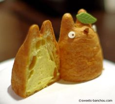 Totoro cream puff, Japan... so torn between putting this in KYOOT! and Noms