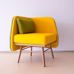 Designed for lobbies and gathering spaces, the 'Bi Silla' armchair by Silvia Ceñal for Portuguese brand Two.six has a symmetrical, square-shaped form that allows it to be arranged into communal or individual seating arrangements. The natural oak frame and bright trevira CS give it a welcoming and friendly appearance.
