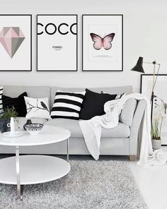 ♥black pillows ♥black framed artwork ♥black metal lamp | This pretty living room is hitting all the right notes with its layers of soft grey and blush pink, grounded effortlessly by splashes of black | Casa e Jardim | black décor ideas | modern living room ideas