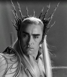 Thranduil in white armour and summer crown