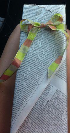 Recicla! Papel de guia telefonica como papel de regalos!