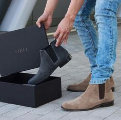 the best of style and fashion tips Der Gentleman, Gentleman Shoes, Mens Boots Fashion, Fashion Shoes, Teen Guy Fashion, Boots For Sale, Gucci Men, Dress With Boots, Mode Style