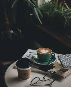 Coffee Cozy, Coffee Latte, Coffee Break, Best Coffee, Coffee Time, Coffee Photos, Coffee Pictures, Coffee Shop Photography, Coffee Shop Aesthetic