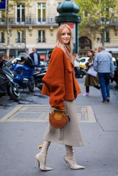 Fall street style / Fashion Week street style #fashion #FitnessFashion