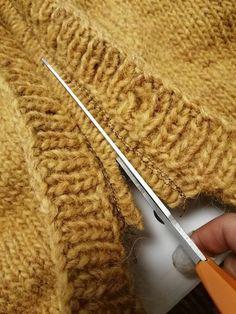 Knitting Charts, Knitting Stitches, Knitting Patterns, Icelandic Sweaters, Stitch Patterns, Knitted Hats, Diy And Crafts, Knit Crochet, Homemade