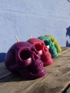 4 Skull candles  pink green purple turquoise  by Meltingcolor, €34.50