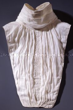 Queen Luise Chemisette, cotton, circa 1800