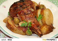 Pečená krůtí stehna na rozmarýnu a česneku recept - TopRecepty.cz Gyr, Baked Potato, Food And Drink, Turkey, Potatoes, Beef, Treats, Chicken, Baking