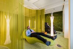 Office Design Inspiration - This Modern Office Has A Lounge Area For Quiet Relaxation