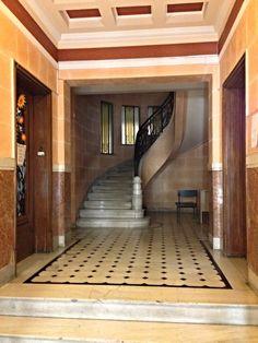 Πολυκατοικία Μαυρομμάτη, Πλουτάρχου 3 & Υψηλάντου 33 | Flickr - Photo Sharing! Bauhaus, The Good Place, Stairs, Houses, Places, Home Decor, Art Deco, House, Homes