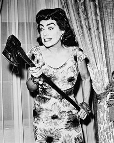 Terrifying stills & chilling images from Joan Crawford's bonkers ...