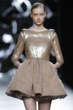 Maya Hansen en la 63ª Mercedes-Benz Fashion Week Madrid - Ediciones Sibila (Prensapiel, PuntoModa y Textil y Moda)