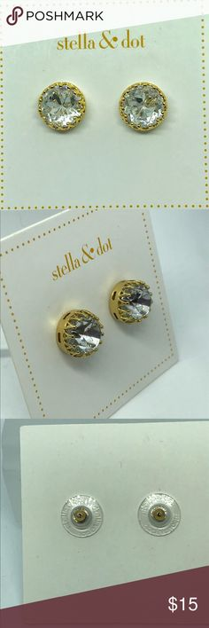Stella & Dot Crystal Studs Beautiful Clear crystal stone in a gold tone setting.  New  (A11) Stella & Dot Jewelry Earrings