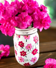 DIY:  How to Paint Mason Jars with this Marimekko Design - easy tutorial shows how this design was created using chalk and craft paints - Mason Jar Crafts