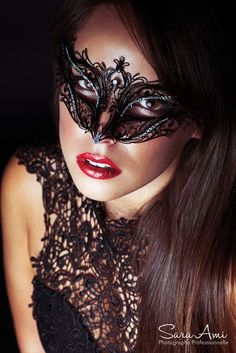 Day Of The Dead Artwork, Beyond The Mask, Salon Art, Mysterious Girl, Female Mask, Mask Girl, Lace Mask, Carnival Masks, Beauty Makeup Tips
