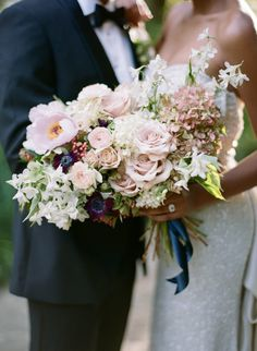 Photography : Elisa Bricker | Floral Design : Jacin Fitzgerald Events Read More on SMP: http://www.stylemepretty.com/2015/12/21/elegant-southern-wedding-inspiration/