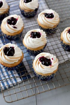 Blueberry+Pancake+Cupcakes+|+Annie's+Eats